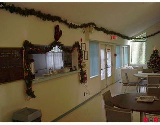 """Photo 8: 56 7790 KING GEORGE Highway in Surrey: East Newton Manufactured Home for sale in """"Crispen Bays"""" : MLS®# F2730084"""