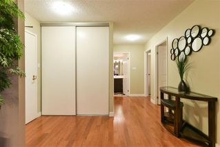 Photo 3: 804 12141 JASPER Avenue in Edmonton: Zone 12 Condo for sale : MLS®# E4165978