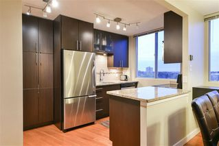 Photo 8: 804 12141 JASPER Avenue in Edmonton: Zone 12 Condo for sale : MLS®# E4165978