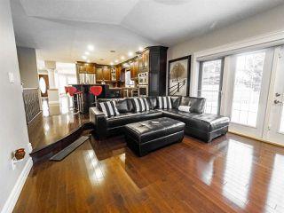 Photo 5: 1716 BEARSPAW Drive E in Edmonton: Zone 16 House for sale : MLS®# E4182661