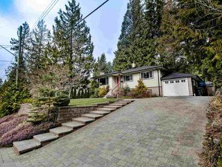 Photo 2: 742 WELLINGTON Drive in North Vancouver: Princess Park House for sale : MLS®# R2447326