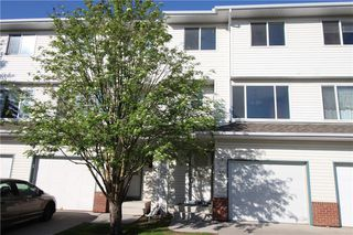 Photo 2: 55 HARVEST OAK Circle NE in Calgary: Harvest Hills Row/Townhouse for sale : MLS®# C4300431