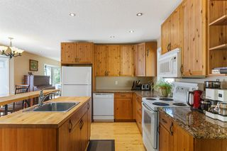 Photo 9: 52 RIVERBIRCH Road SE in Calgary: Riverbend Detached for sale : MLS®# A1017203