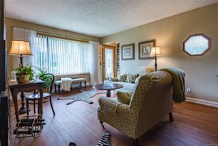 Photo 3: 1008 Urquhart Ave in : CV Courtenay City House for sale (Comox Valley)  : MLS®# 857512