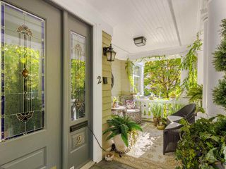 """Photo 2: 2 2888 BIRCH Street in Vancouver: Fairview VW 1/2 Duplex for sale in """"HERITAGE MANOR"""" (Vancouver West)  : MLS®# R2506479"""