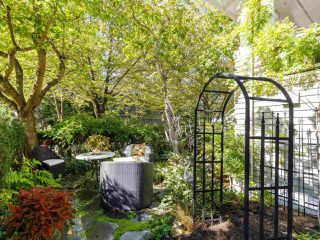 """Photo 37: 2 2888 BIRCH Street in Vancouver: Fairview VW 1/2 Duplex for sale in """"HERITAGE MANOR"""" (Vancouver West)  : MLS®# R2506479"""