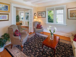 Photo 2: 1564 Monterey Ave in : OB North Oak Bay House for sale (Oak Bay)  : MLS®# 859441