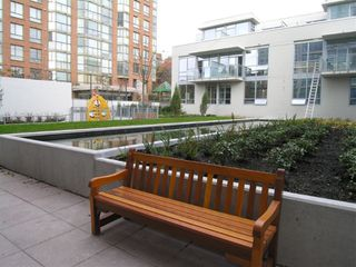 "Photo 12: 1503 1455 HOWE Street in Vancouver: False Creek North Condo for sale in ""POMARIA"" (Vancouver West)  : MLS®# V671701"