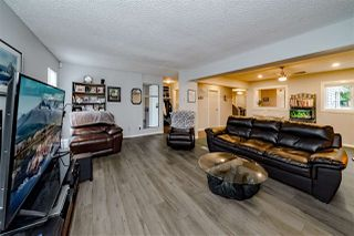 "Photo 4: 978 BIRCHBROOK Place in Coquitlam: Meadow Brook House 1/2 Duplex for sale in ""MEADOWBROOK"" : MLS®# R2402424"
