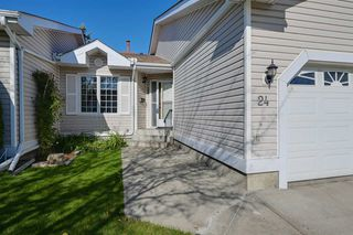 Photo 1: 24 9704 165 Street in Edmonton: Zone 22 House Half Duplex for sale : MLS®# E4176198