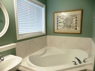 Photo 14: 2352 TAYLOR Close NW in Edmonton: Zone 14 House for sale : MLS®# E4178816