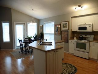 Photo 4: 2352 TAYLOR Close NW in Edmonton: Zone 14 House for sale : MLS®# E4178816