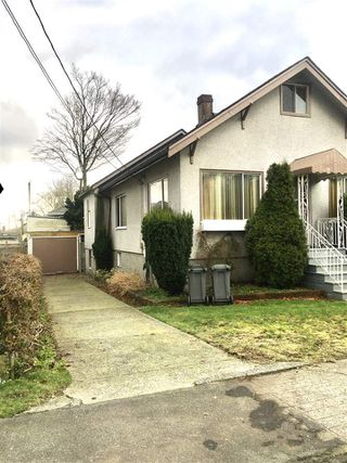 Photo 3: 142 E 43RD Avenue in Vancouver: Main House for sale (Vancouver East)  : MLS®# R2435670