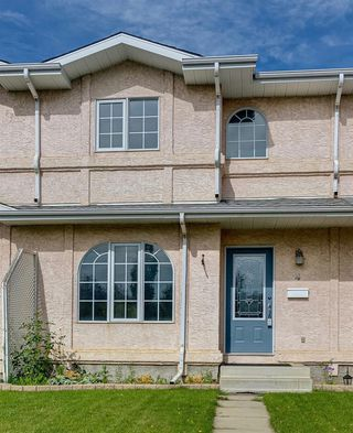 Main Photo: 4 DOUGLAS Avenue: Red Deer Row/Townhouse for sale : MLS®# A1013158