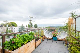 "Photo 18: 301 2035 W 4TH Avenue in Vancouver: Kitsilano Condo for sale in ""THE VERMEER"" (Vancouver West)  : MLS®# R2493393"