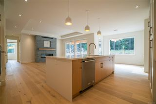 Photo 3: 2768 Andys Lane in : PQ Nanoose House for sale (Parksville/Qualicum)  : MLS®# 857598