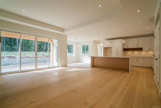 Photo 5: 2768 Andys Lane in : PQ Nanoose House for sale (Parksville/Qualicum)  : MLS®# 857598