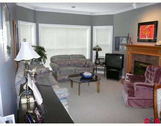 "Photo 2: 312 34101 OLD YALE Road in Abbotsford: Central Abbotsford Condo for sale in ""Yale Terrace"" : MLS®# F2726571"