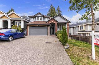 Photo 1: 15091 59A Avenue in Surrey: Sullivan Station House for sale : MLS®# R2397386