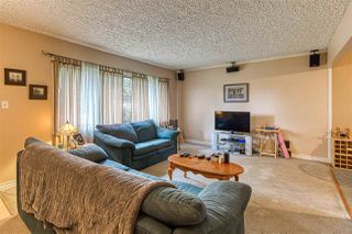 """Photo 3: 10633 148 Street in Surrey: Guildford House for sale in """"guildford town centre"""" (North Surrey)  : MLS®# R2405917"""