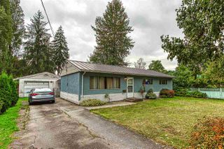 """Photo 2: 10633 148 Street in Surrey: Guildford House for sale in """"guildford town centre"""" (North Surrey)  : MLS®# R2405917"""