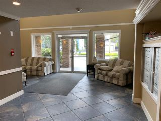 """Photo 5: 111 2038 SANDALWOOD Crescent in Abbotsford: Central Abbotsford Condo for sale in """"THE ELEMENT"""" : MLS®# R2443524"""