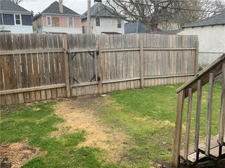 Photo 37: 707 Strathcona Street in Winnipeg: Residential for sale (5C)  : MLS®# 202010276
