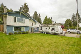 "Photo 3: 5674 244TH Street in Langley: Salmon River House for sale in ""Salmon River"" : MLS®# R2457867"