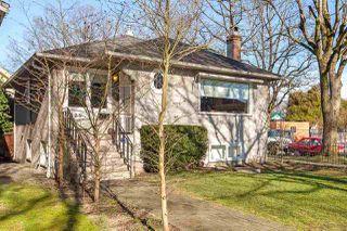"Photo 2: 3205 W 11TH Avenue in Vancouver: Kitsilano House for sale in ""KITSILANO"" (Vancouver West)  : MLS®# R2472198"
