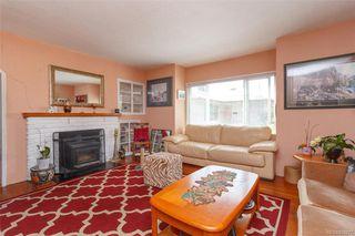Photo 2: 3143 Irma St in Victoria: Vi Burnside House for sale : MLS®# 844271