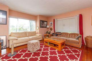 Photo 3: 3143 Irma St in Victoria: Vi Burnside House for sale : MLS®# 844271