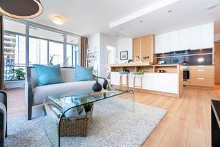 """Photo 4: 1901 4688 KINGSWAY in Burnaby: Metrotown Condo for sale in """"STATION SQUARE"""" (Burnaby South)  : MLS®# R2485015"""