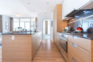 """Photo 13: 1901 4688 KINGSWAY in Burnaby: Metrotown Condo for sale in """"STATION SQUARE"""" (Burnaby South)  : MLS®# R2485015"""