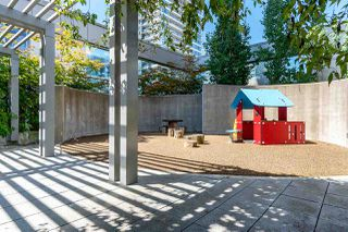 """Photo 32: 1901 4688 KINGSWAY in Burnaby: Metrotown Condo for sale in """"STATION SQUARE"""" (Burnaby South)  : MLS®# R2485015"""