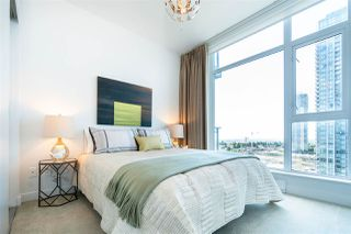 """Photo 21: 1901 4688 KINGSWAY in Burnaby: Metrotown Condo for sale in """"STATION SQUARE"""" (Burnaby South)  : MLS®# R2485015"""
