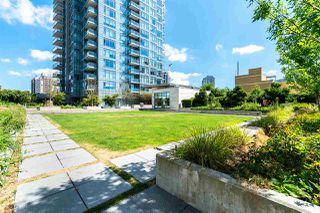 """Photo 33: 1901 4688 KINGSWAY in Burnaby: Metrotown Condo for sale in """"STATION SQUARE"""" (Burnaby South)  : MLS®# R2485015"""