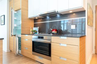 """Photo 16: 1901 4688 KINGSWAY in Burnaby: Metrotown Condo for sale in """"STATION SQUARE"""" (Burnaby South)  : MLS®# R2485015"""