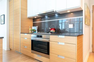 """Photo 15: 1901 4688 KINGSWAY in Burnaby: Metrotown Condo for sale in """"STATION SQUARE"""" (Burnaby South)  : MLS®# R2485015"""