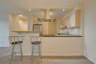 Photo 9: 1002 10545 Saskatchewan Drive in Edmonton: Zone 15 Condo for sale : MLS®# E4217960