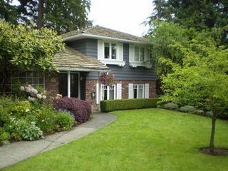 Photo 2: 1852 Mathers Court in West Vancouver: Ambleside House for sale : MLS®# V715235