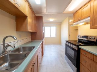 Photo 9: 6606 178 Street in Edmonton: Zone 20 Townhouse for sale : MLS®# E4169994