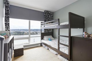 "Photo 17: 1704 39 SIXTH Street in New Westminster: Downtown NW Condo for sale in ""Quantum"" : MLS®# R2401221"