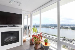 "Photo 4: 1704 39 SIXTH Street in New Westminster: Downtown NW Condo for sale in ""Quantum"" : MLS®# R2401221"