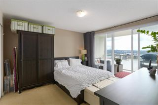 "Photo 11: 1704 39 SIXTH Street in New Westminster: Downtown NW Condo for sale in ""Quantum"" : MLS®# R2401221"