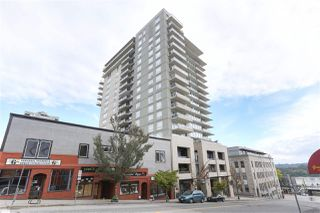"Photo 2: 1704 39 SIXTH Street in New Westminster: Downtown NW Condo for sale in ""Quantum"" : MLS®# R2401221"
