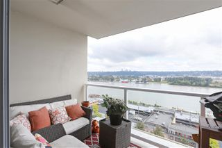 "Photo 13: 1704 39 SIXTH Street in New Westminster: Downtown NW Condo for sale in ""Quantum"" : MLS®# R2401221"