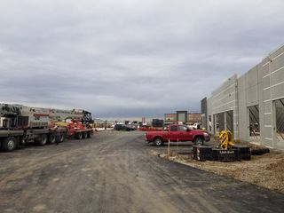 Photo 3: 180 Mistatim Road NW in Edmonton: Zone 40 Retail for sale : MLS®# E4176346