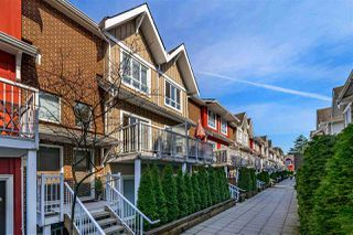 "Photo 2: 506 1661 FRASER Avenue in Port Coquitlam: Glenwood PQ Townhouse for sale in ""Brimley Mews"" : MLS®# R2446911"