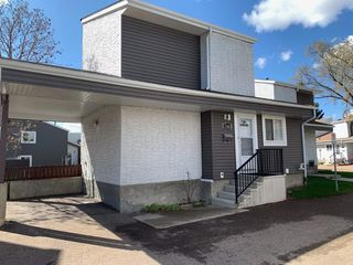 Photo 1: 5544 19A Avenue NW in Edmonton: Zone 29 Townhouse for sale : MLS®# E4193992