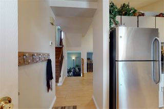 Photo 2: 5544 19A Avenue NW in Edmonton: Zone 29 Townhouse for sale : MLS®# E4193992